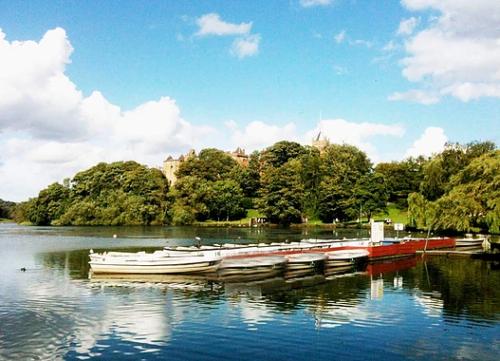 Fafa Boats On The Loch