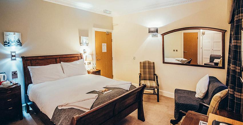 Star And Garter Room