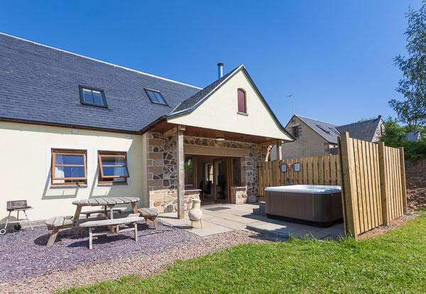 Williamscraig Cottage Exterior