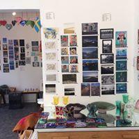 line gallery display