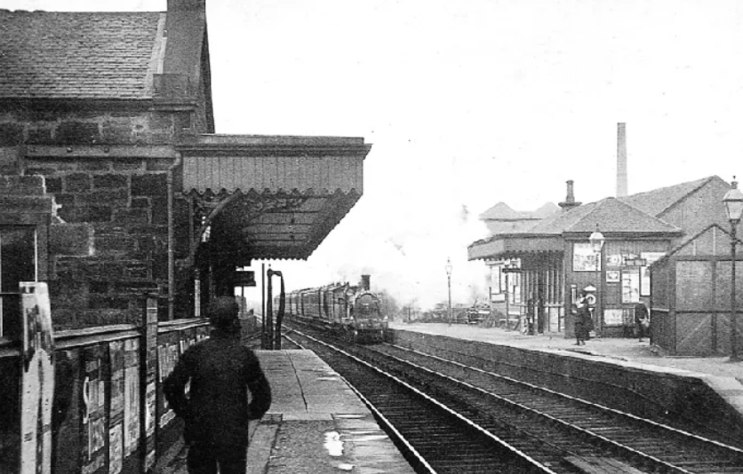 Black and White photo of Linlithgow Railway station
