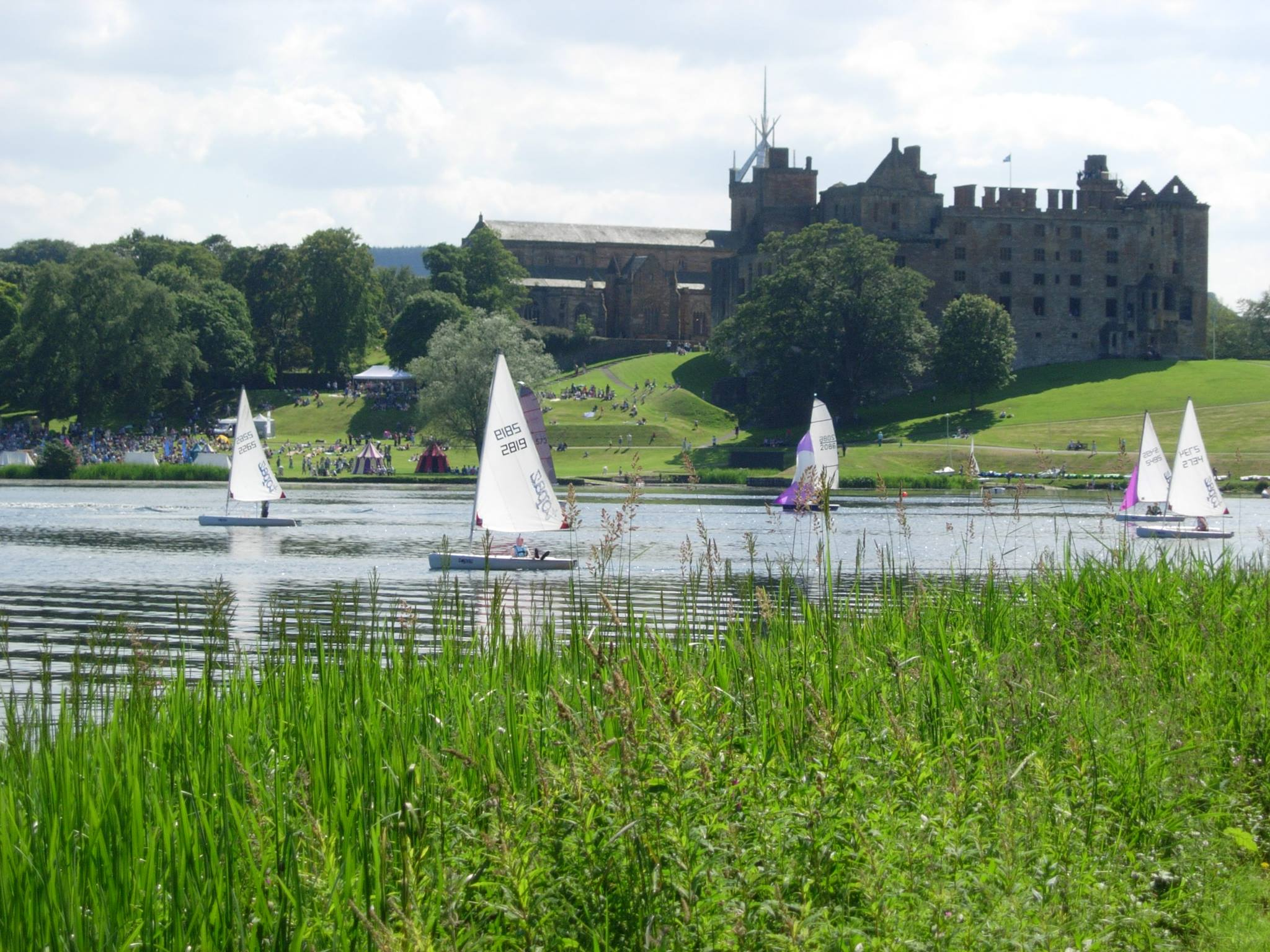 Sailing On Linlithgow Loch